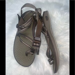 Chavo brown sandals 8w NWOT